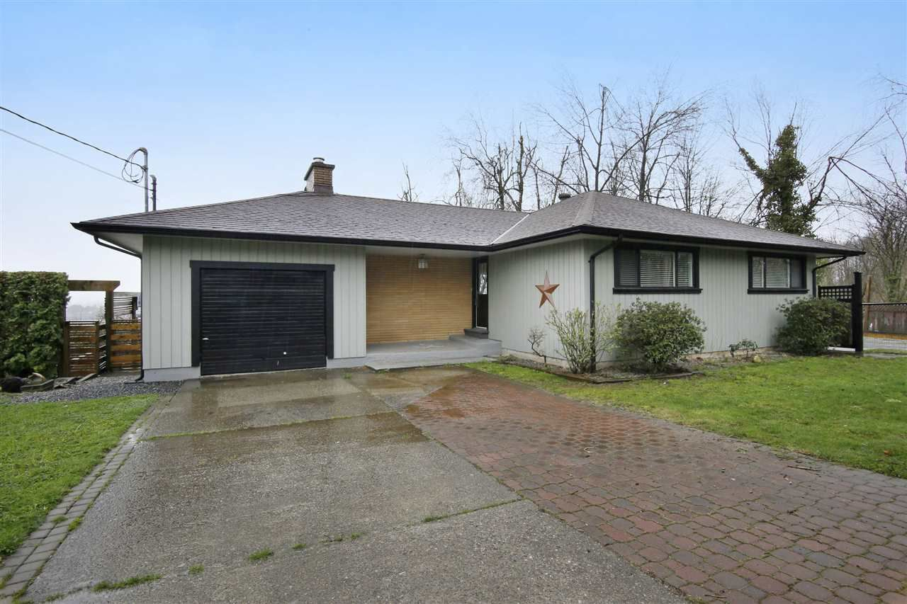 Main Photo: 33332 4TH Avenue in Mission: Mission BC House for sale : MLS®# R2154504