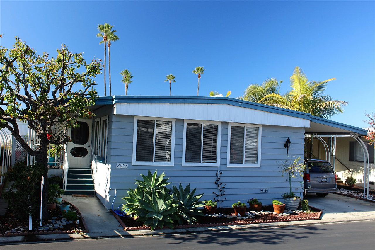 Main Photo: CARLSBAD WEST Manufactured Home for sale : 2 bedrooms : 7021 San Bartolo #40 in Carlsbad