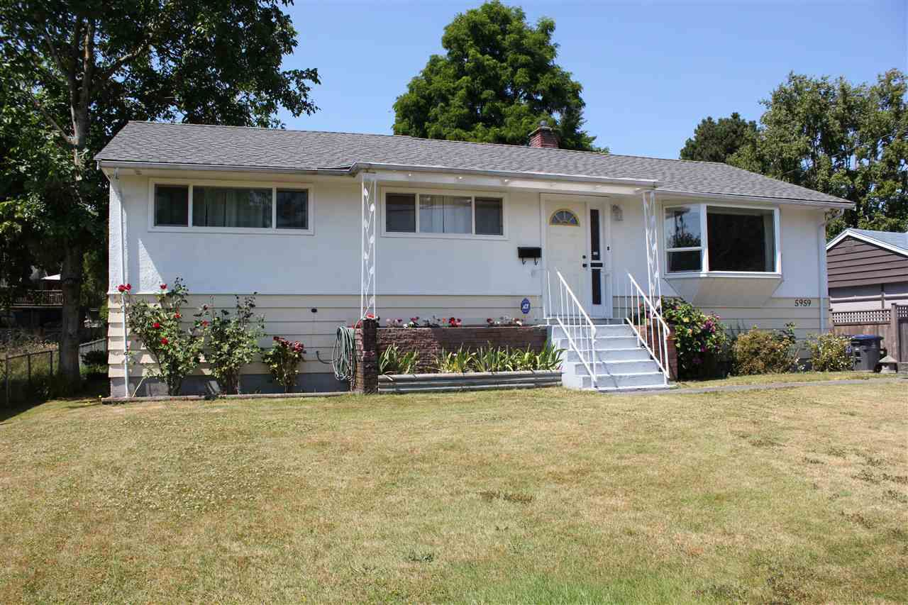 Main Photo: 5959 173B Street in Surrey: Cloverdale BC House for sale (Cloverdale)  : MLS®# R2189706