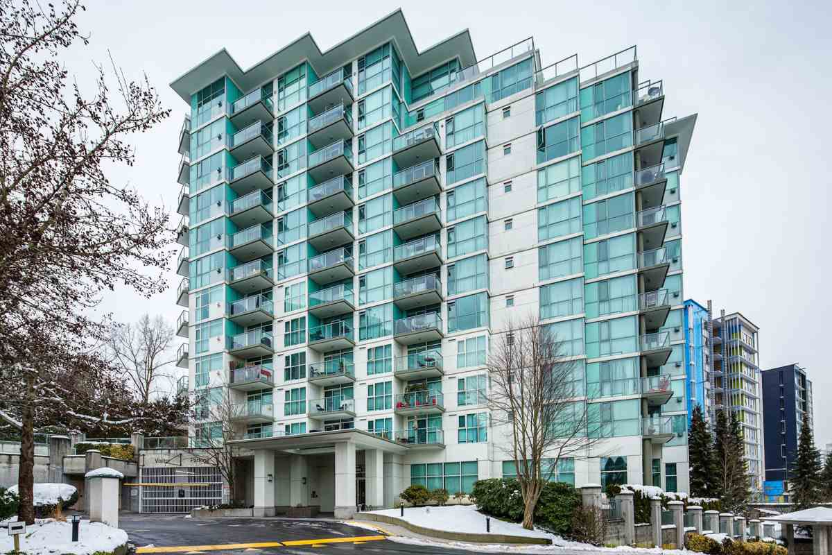 """Main Photo: 1006 2763 CHANDLERY Place in Vancouver: Fraserview VE Condo for sale in """"THE RIVER DANCE"""" (Vancouver East)  : MLS®# R2341147"""