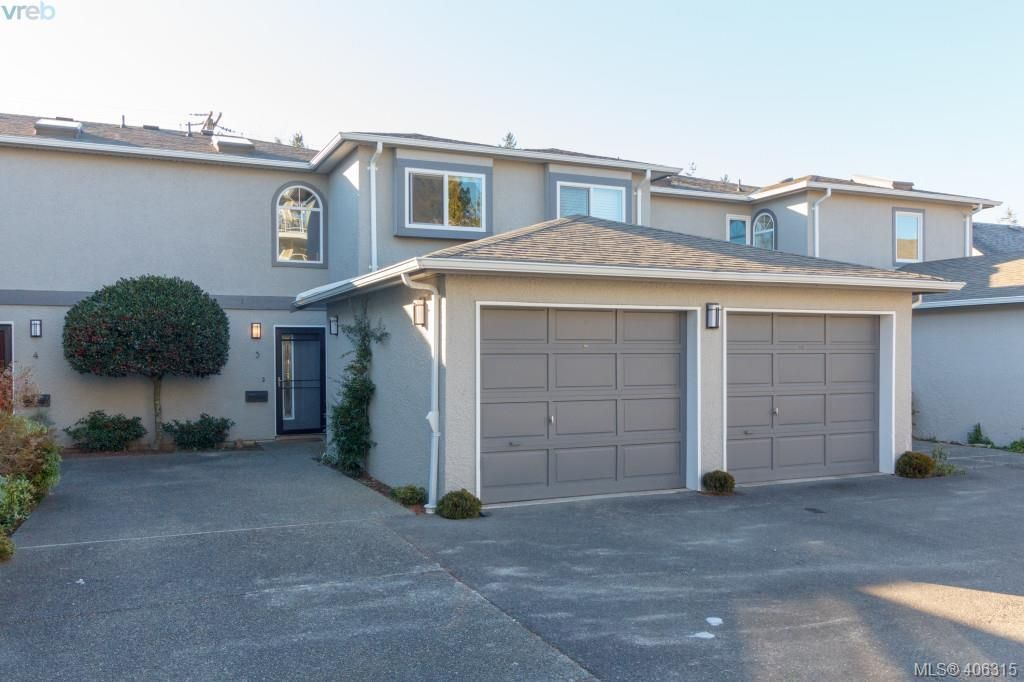 Main Photo: 3 9855 Resthaven Drive in SIDNEY: Si Sidney North-East Townhouse for sale (Sidney)  : MLS®# 406315