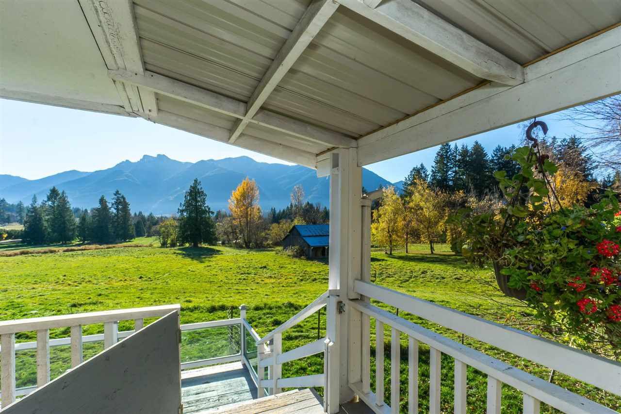 Main Photo: 49582 ELK VIEW Road: Ryder Lake House for sale (Sardis)  : MLS®# R2372322