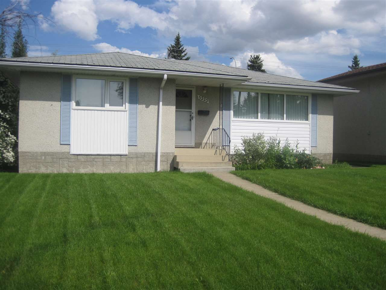 Main Photo: 5223 111A Street in Edmonton: Zone 15 House for sale : MLS®# E4160232