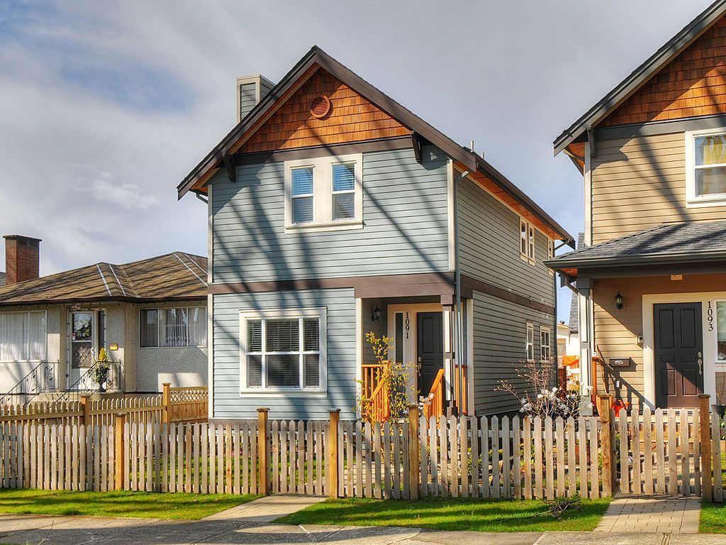 "Main Photo: 1091 E 21ST Avenue in Vancouver: Fraser VE Townhouse for sale in ""GLEN MANOR"" (Vancouver East)  : MLS®# V883307"