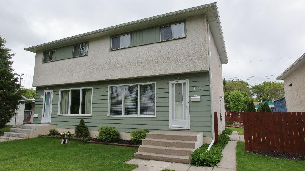 Main Photo: 154 Thom Avenue East in Winnipeg: Transcona Residential for sale (North East Winnipeg)