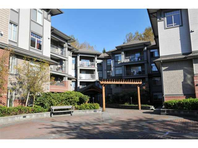 "Main Photo: 305 12020 207A Street in Maple Ridge: Northwest Maple Ridge Condo for sale in ""WESTBROOKE"" : MLS®# V1033975"