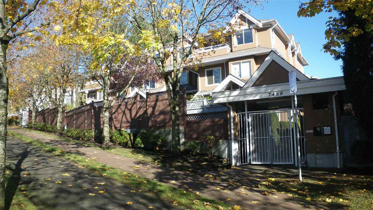 """Main Photo: 22 7488 SALISBURY Avenue in Burnaby: Highgate Townhouse for sale in """"WINSTON GARDENS"""" (Burnaby South)  : MLS®# R2013894"""