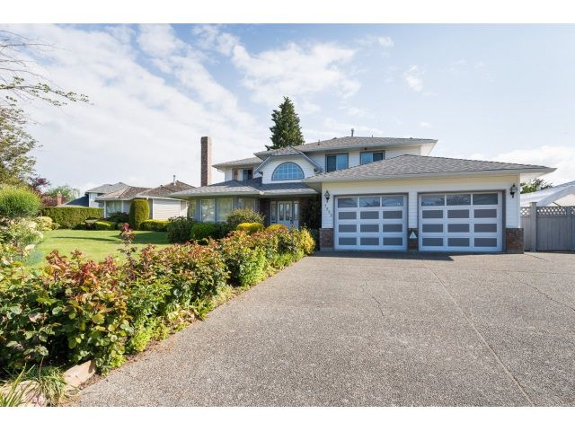 Main Photo: 1662 140A Street in Surrey: Sunnyside Park Surrey House for sale (South Surrey White Rock)  : MLS®# R2064572