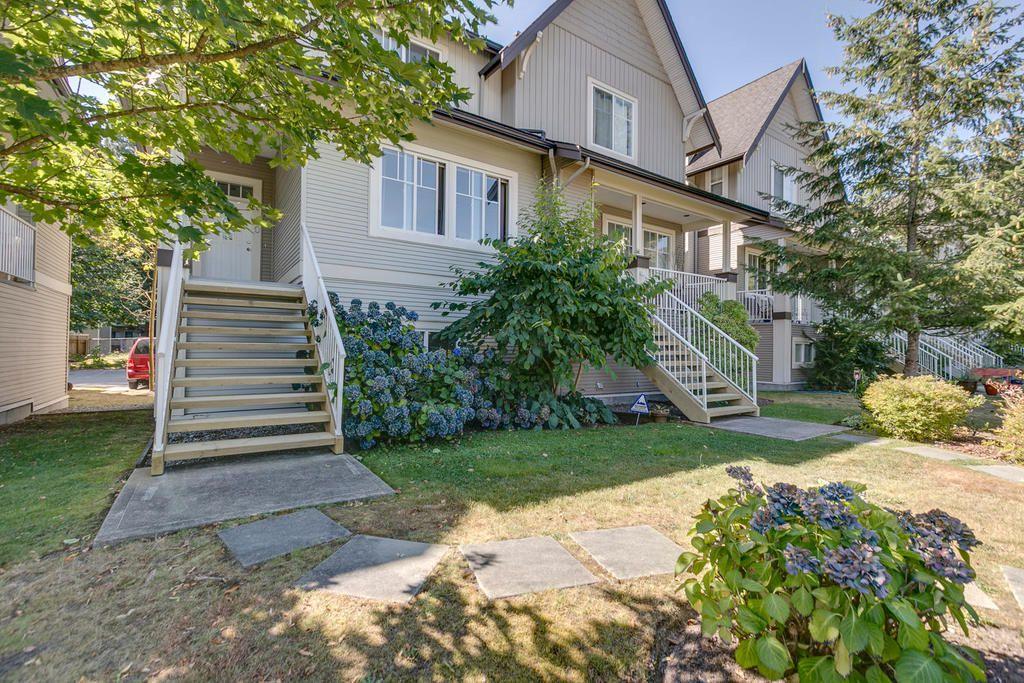 """Main Photo: 10 1800 MAMQUAM Road in Squamish: Garibaldi Estates Townhouse for sale in """"Viressence"""" : MLS®# R2102551"""