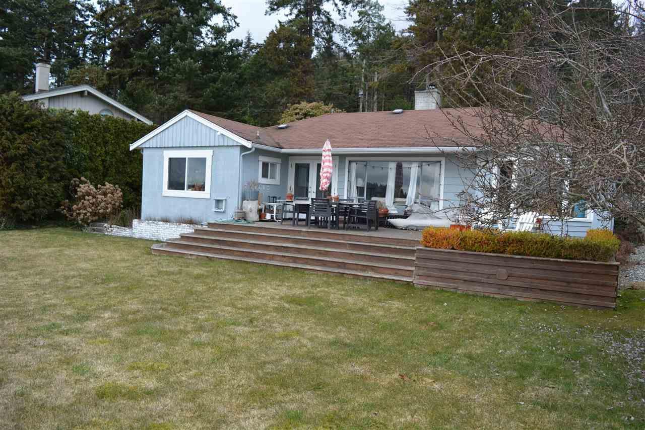 Photo 2: Photos: 6571 SUNSHINE COAST Highway in Sechelt: Sechelt District House for sale (Sunshine Coast)  : MLS®# R2143323