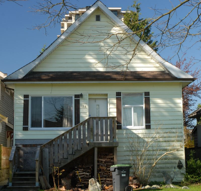 """Main Photo: 724 FIFTH Street in New Westminster: GlenBrooke North House for sale in """"GLENBROOKE NORTH"""" : MLS®# R2143580"""