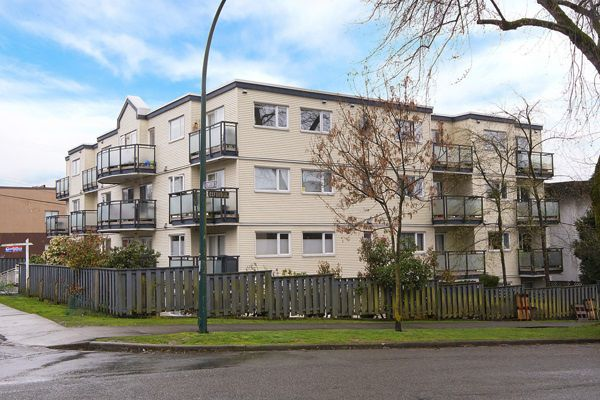 Main Photo: 102 33 N TEMPLETON Drive in Vancouver: Hastings Condo for sale (Vancouver East)  : MLS®# R2155046