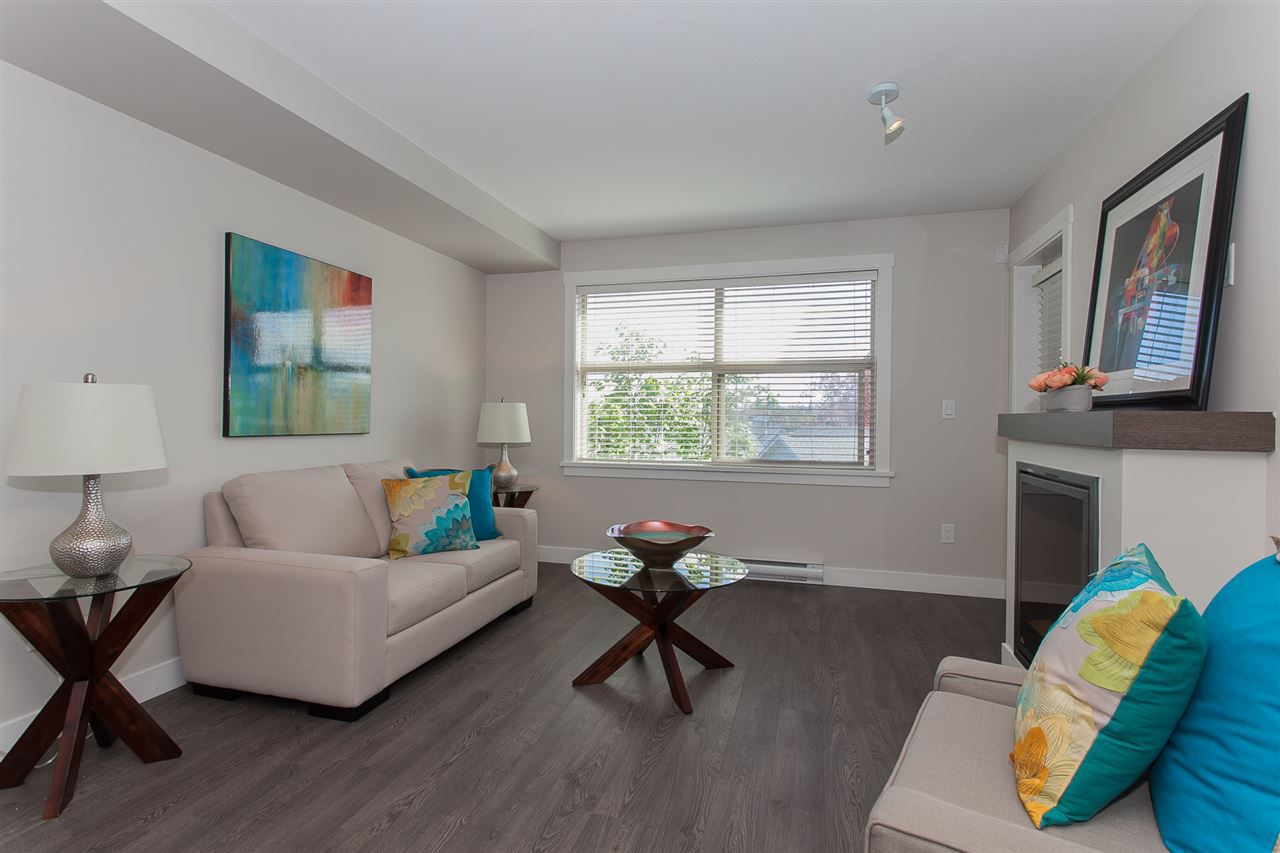 """Main Photo: 305 19936 56 Avenue in Langley: Langley City Condo for sale in """"BEARING POINTE"""" : MLS®# R2162708"""