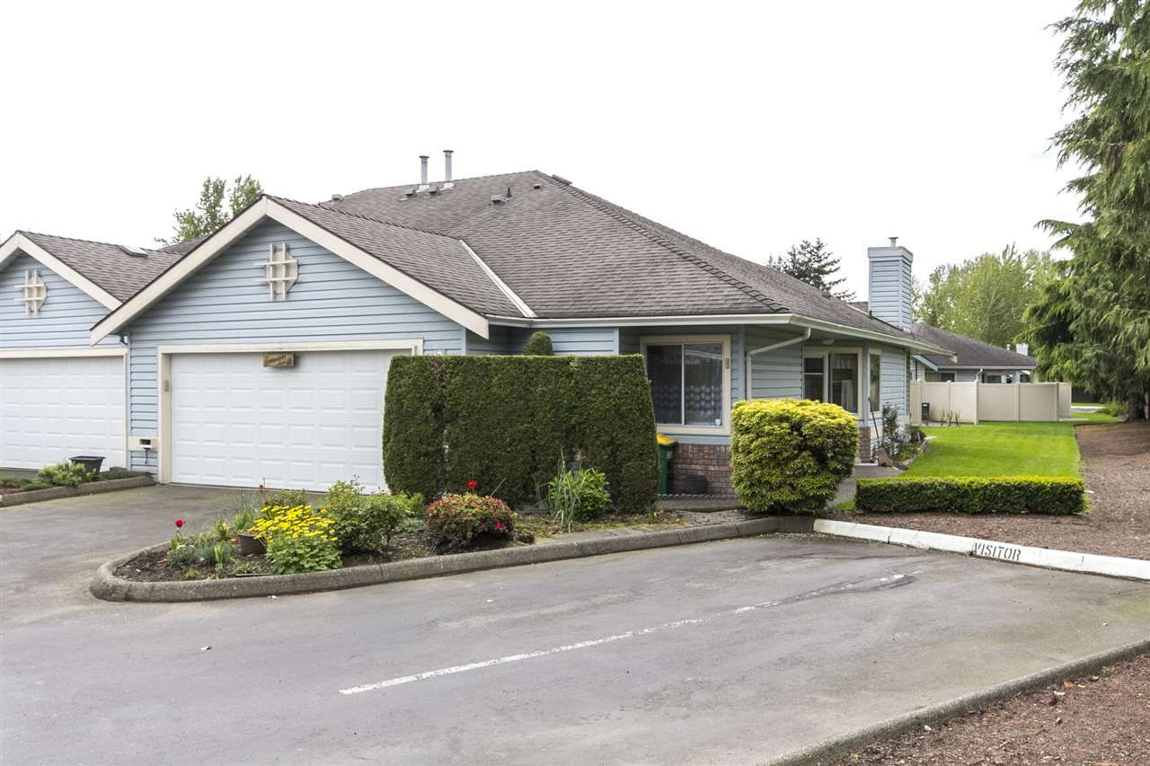 """Main Photo: 75 5550 LANGLEY Bypass in Langley: Salmon River Townhouse for sale in """"Riverwynde"""" : MLS®# R2164746"""