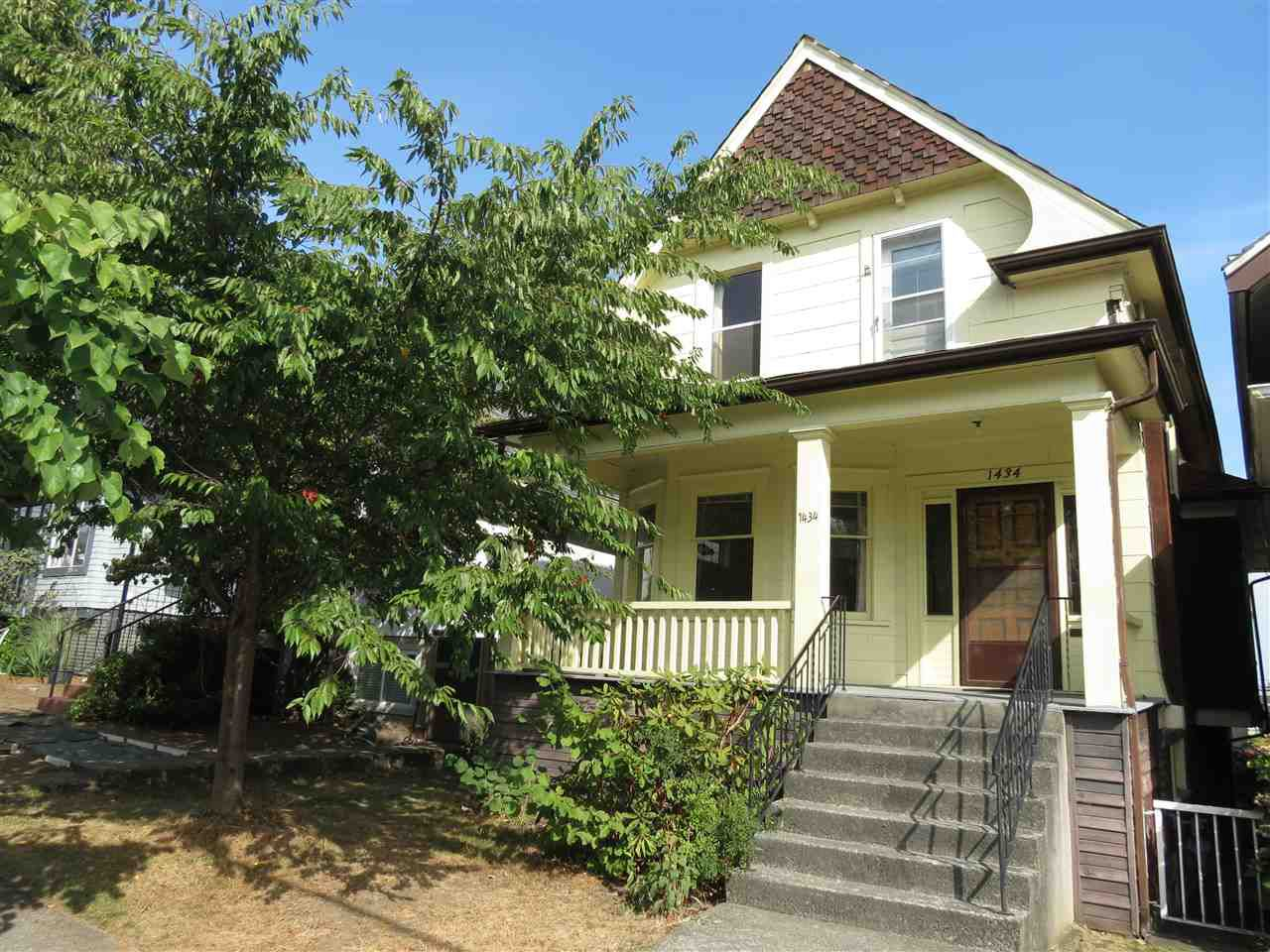Main Photo: 1434 LAKEWOOD Drive in Vancouver: Grandview VE House for sale (Vancouver East)  : MLS®# R2206803