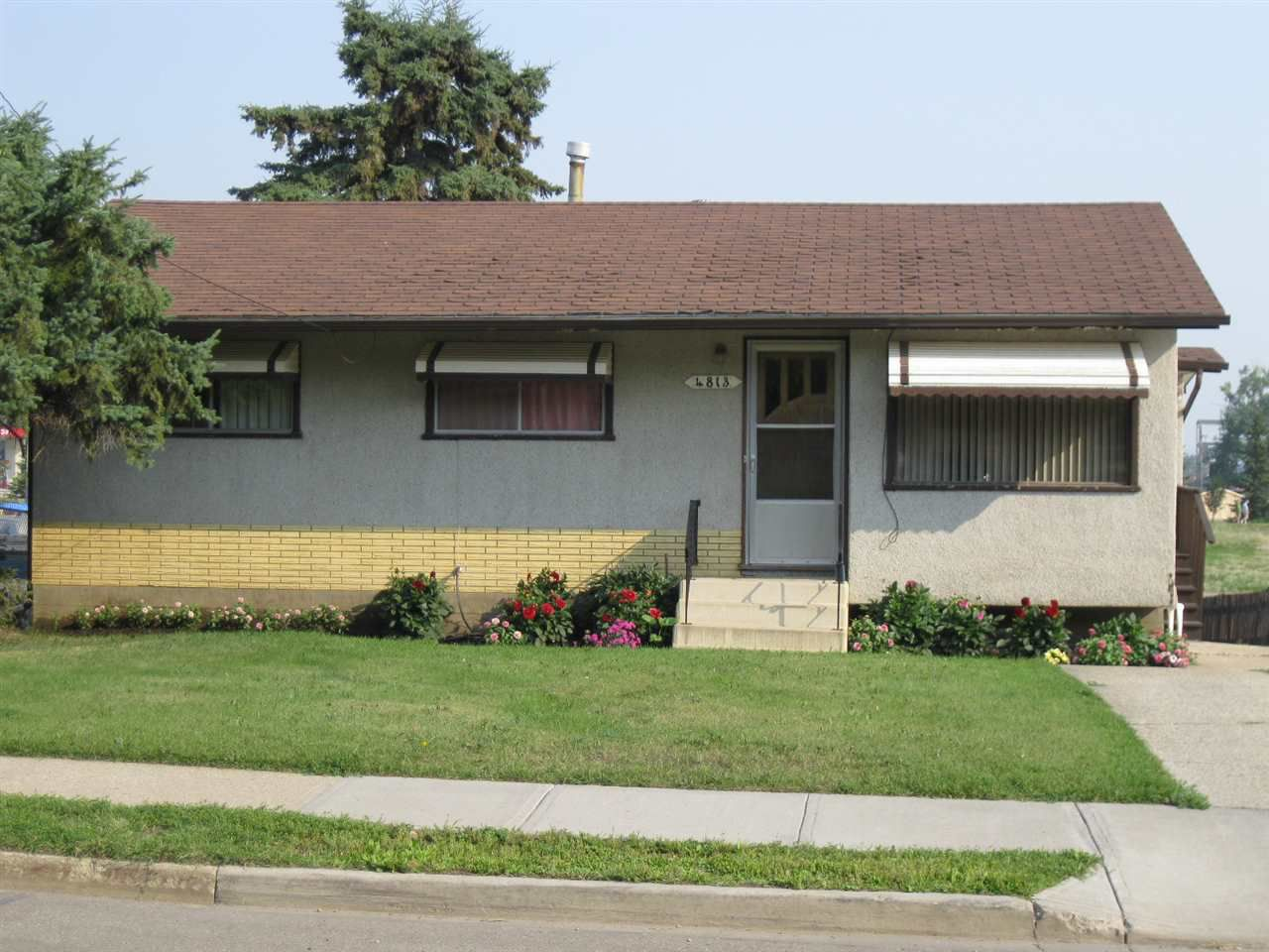 Main Photo: 4813 50 Street: Stony Plain House for sale : MLS®# E4104420