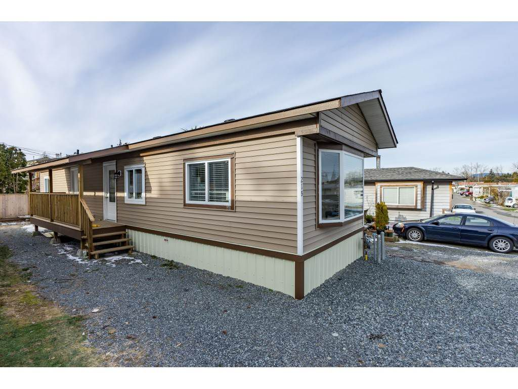 "Main Photo: 21B 26892 FRASER Highway in Langley: Aldergrove Langley Manufactured Home for sale in ""Aldergrove Mobile home"" : MLS®# R2339089"