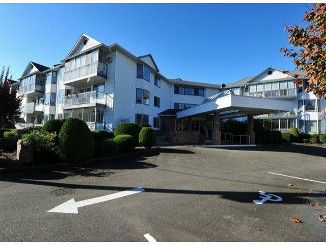 """Main Photo: 202 2425 CHURCH Street in Abbotsford: Abbotsford West Condo for sale in """"PARKVIEW PLACE"""" : MLS®# F1324258"""