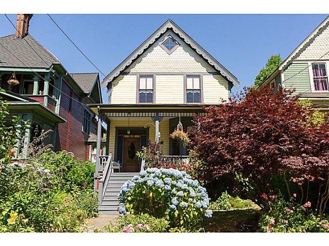 """Main Photo: 321 QUEENS Avenue in New Westminster: Queens Park House for sale in """"QUEEN'S PARK"""" : MLS®# V1131865"""