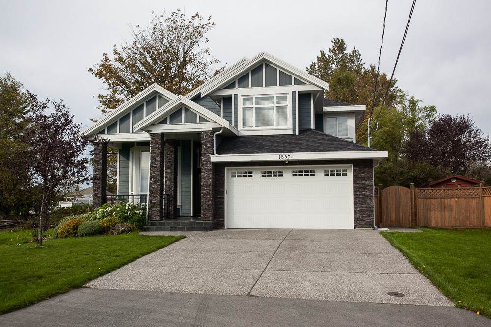Main Photo: 18591 56 Avenue in Surrey: Cloverdale BC House for sale (Cloverdale)  : MLS®# R2006691
