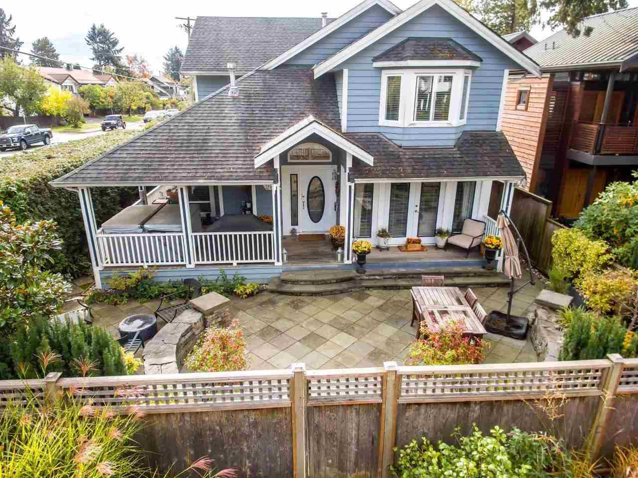 Main Photo: 267 E 19TH Street in North Vancouver: Central Lonsdale House 1/2 Duplex for sale : MLS®# R2114856