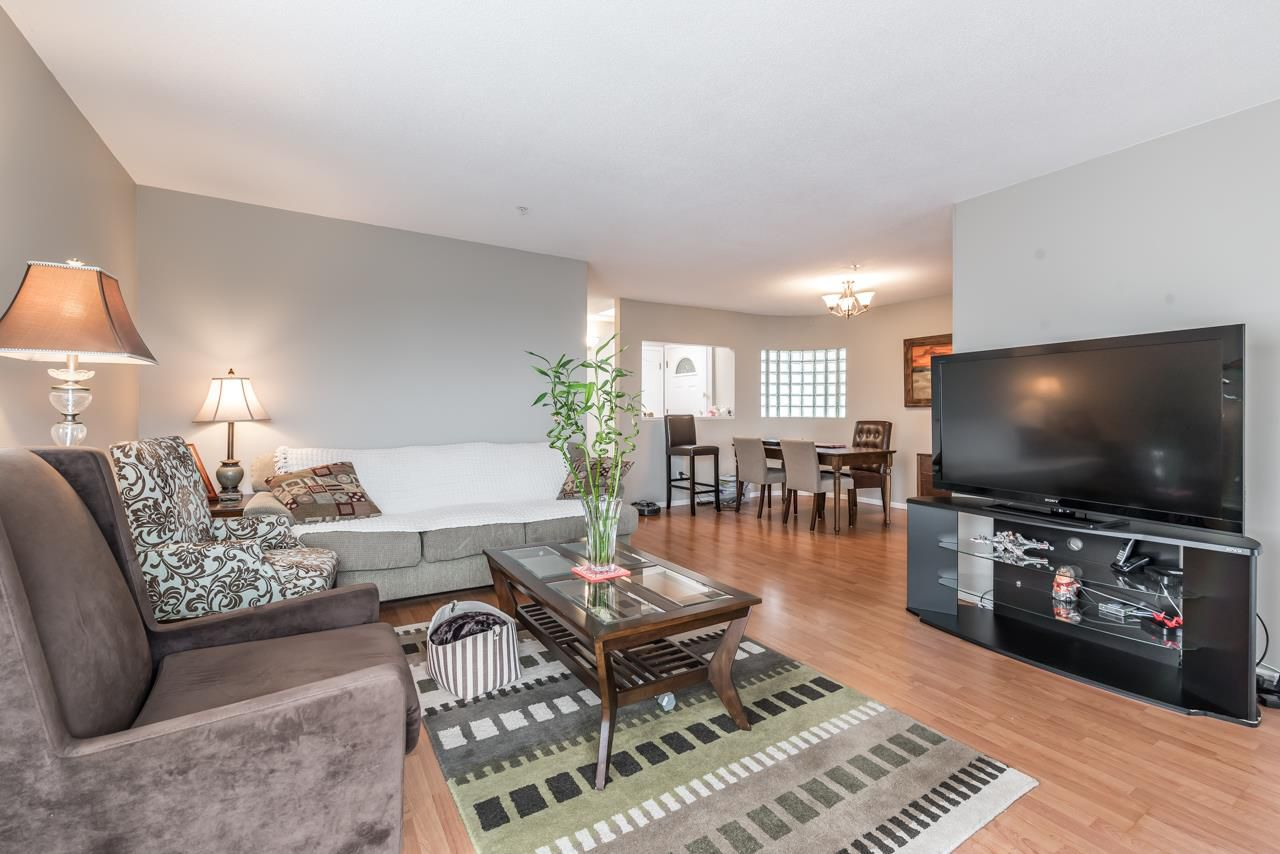 Main Photo: 406 7620 COLUMBIA Street in Vancouver: Marpole Condo for sale (Vancouver West)  : MLS®# R2143346
