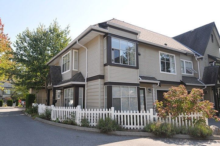 "Main Photo: 23 12099 237 Street in Maple Ridge: East Central Townhouse for sale in ""GABRIOLA"" : MLS®# R2302656"
