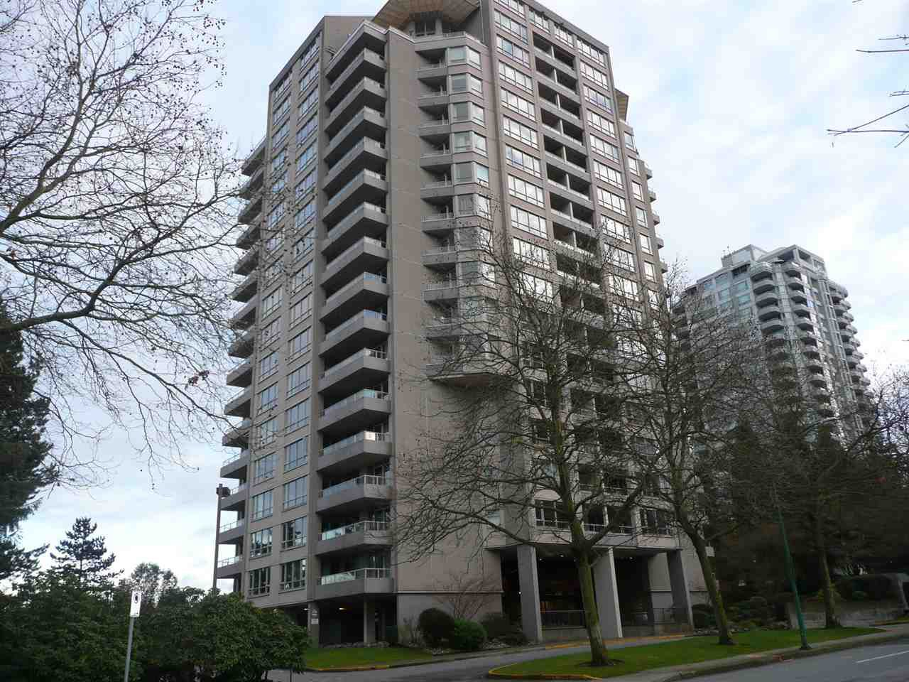 """Main Photo: 904 6070 MCMURRAY Avenue in Burnaby: Forest Glen BS Condo for sale in """"LA MIRAGE I"""" (Burnaby South)  : MLS®# R2326428"""