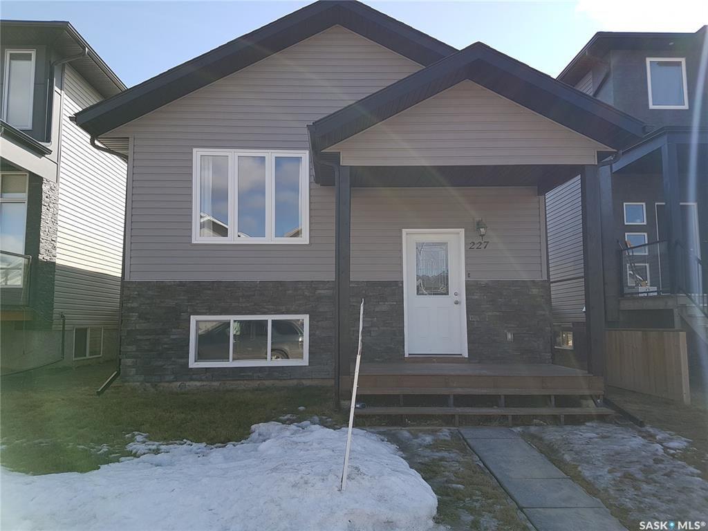 Main Photo: 227 Wyant Lane in Saskatoon: Evergreen Residential for sale : MLS®# SK764187