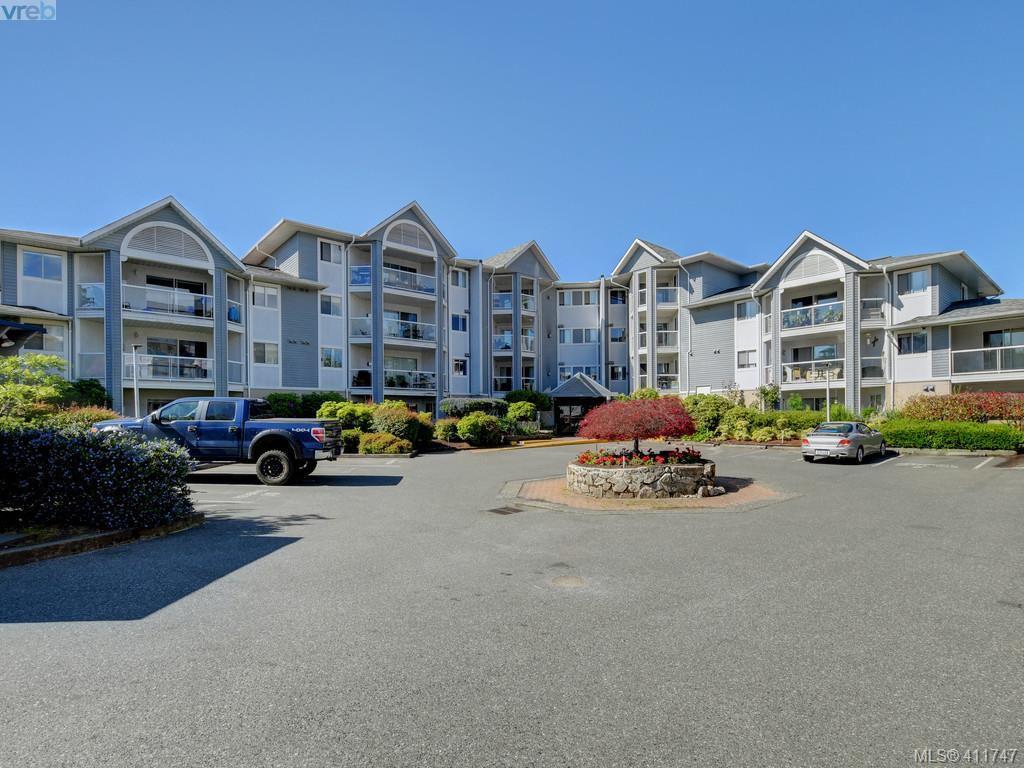 Main Photo: 313 3206 Alder Street in VICTORIA: SE Quadra Condo Apartment for sale (Saanich East)  : MLS®# 411747