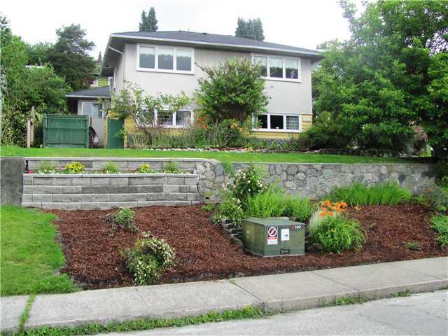 Main Photo: 147 E 7TH Avenue in New Westminster: The Heights NW House for sale : MLS®# V901701