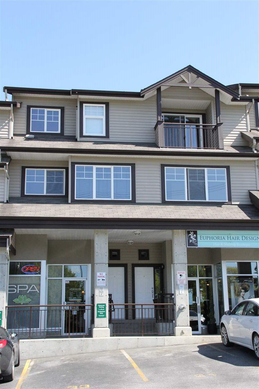 "Main Photo: 7 8814 216 Street in Langley: Walnut Grove Townhouse for sale in ""Redwoods Corner"" : MLS®# R2055444"