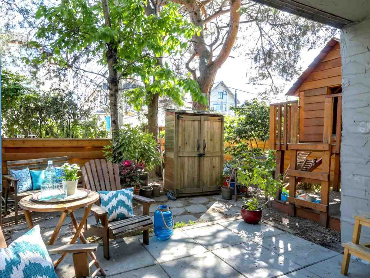 """Main Photo: 101 725 COMMERCIAL Drive in Vancouver: Hastings Condo for sale in """"PLACE DEVITO"""" (Vancouver East)  : MLS®# R2063780"""