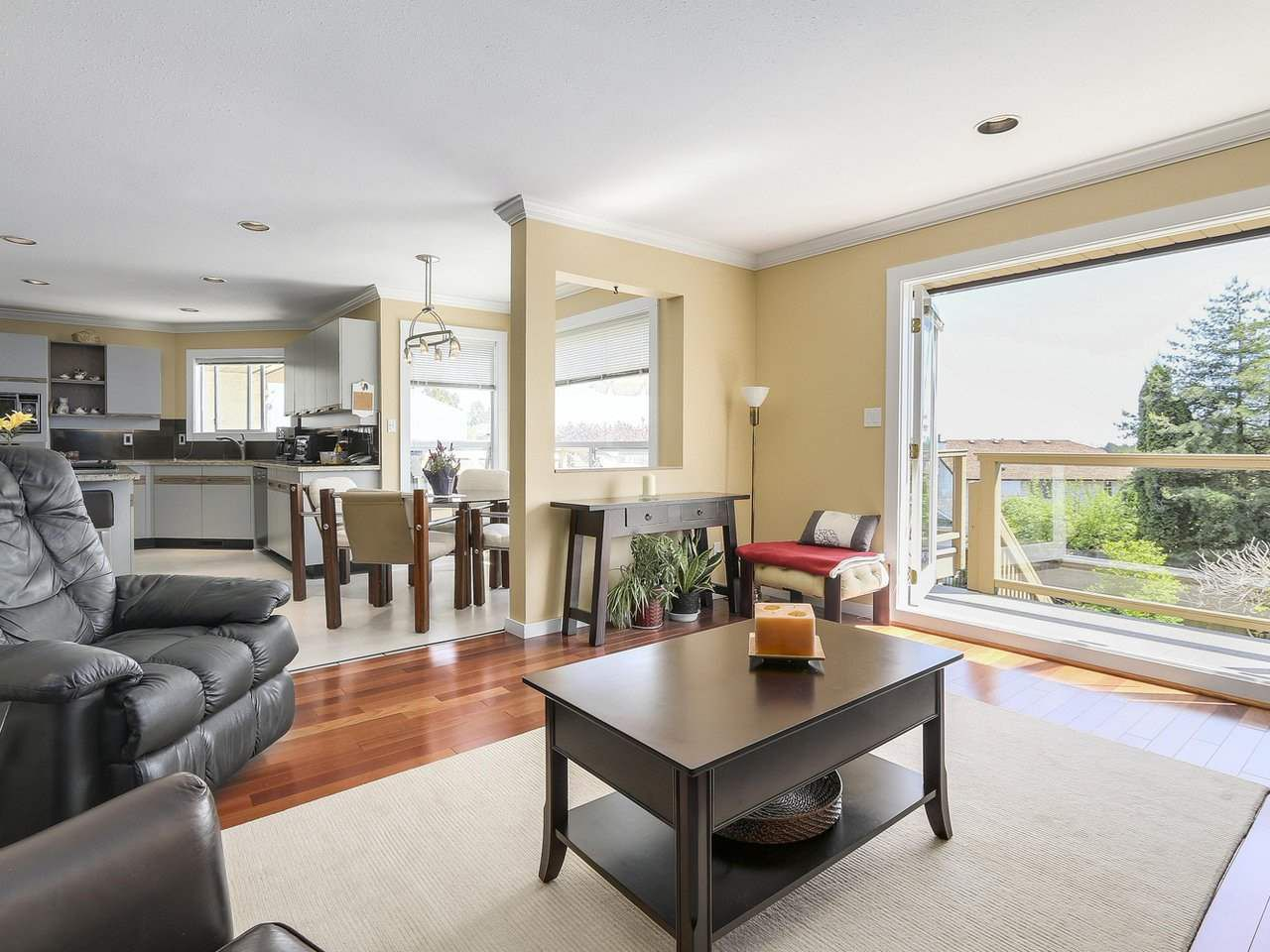 Photo 10: Photos: 737 East 29th Street, North Vancouver