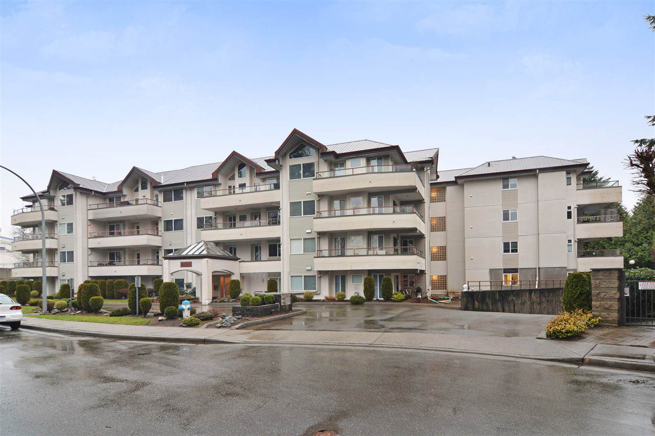Main Photo: 307 2526 LAKEVIEW Crescent in Abbotsford: Central Abbotsford Condo for sale : MLS®# R2232144