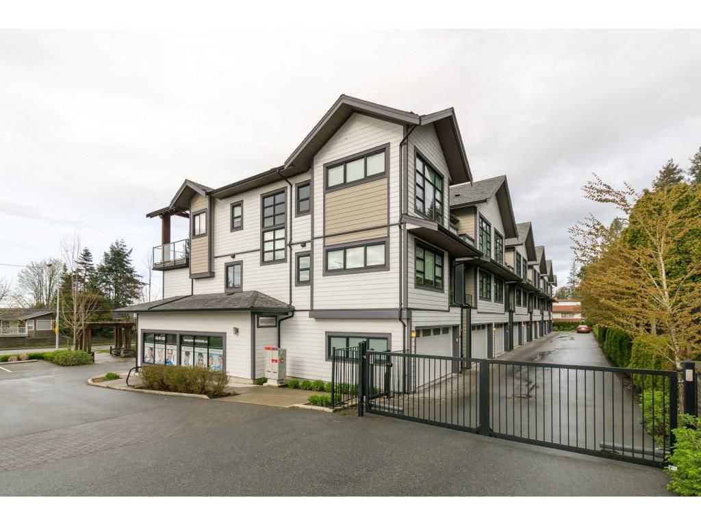 "Main Photo: 204 13585 16 Avenue in Surrey: Crescent Bch Ocean Pk. Townhouse for sale in ""BAYVIEW TERRACE"" (South Surrey White Rock)  : MLS®# R2259176"