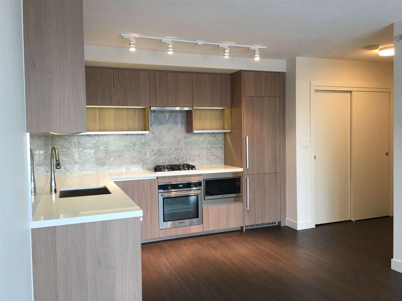 Main Photo: 1515 13750 100 Avenue in Surrey: Whalley Condo for sale (North Surrey)  : MLS®# R2325445