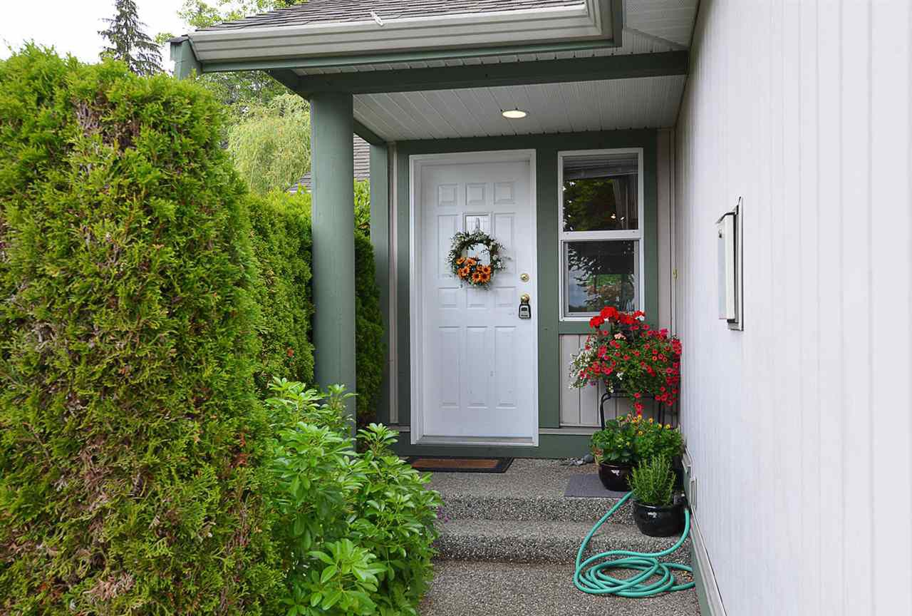 """Main Photo: 44 735 PARK Road in Gibsons: Gibsons & Area Townhouse for sale in """"SHERWOOD GROVE"""" (Sunshine Coast)  : MLS®# R2375675"""