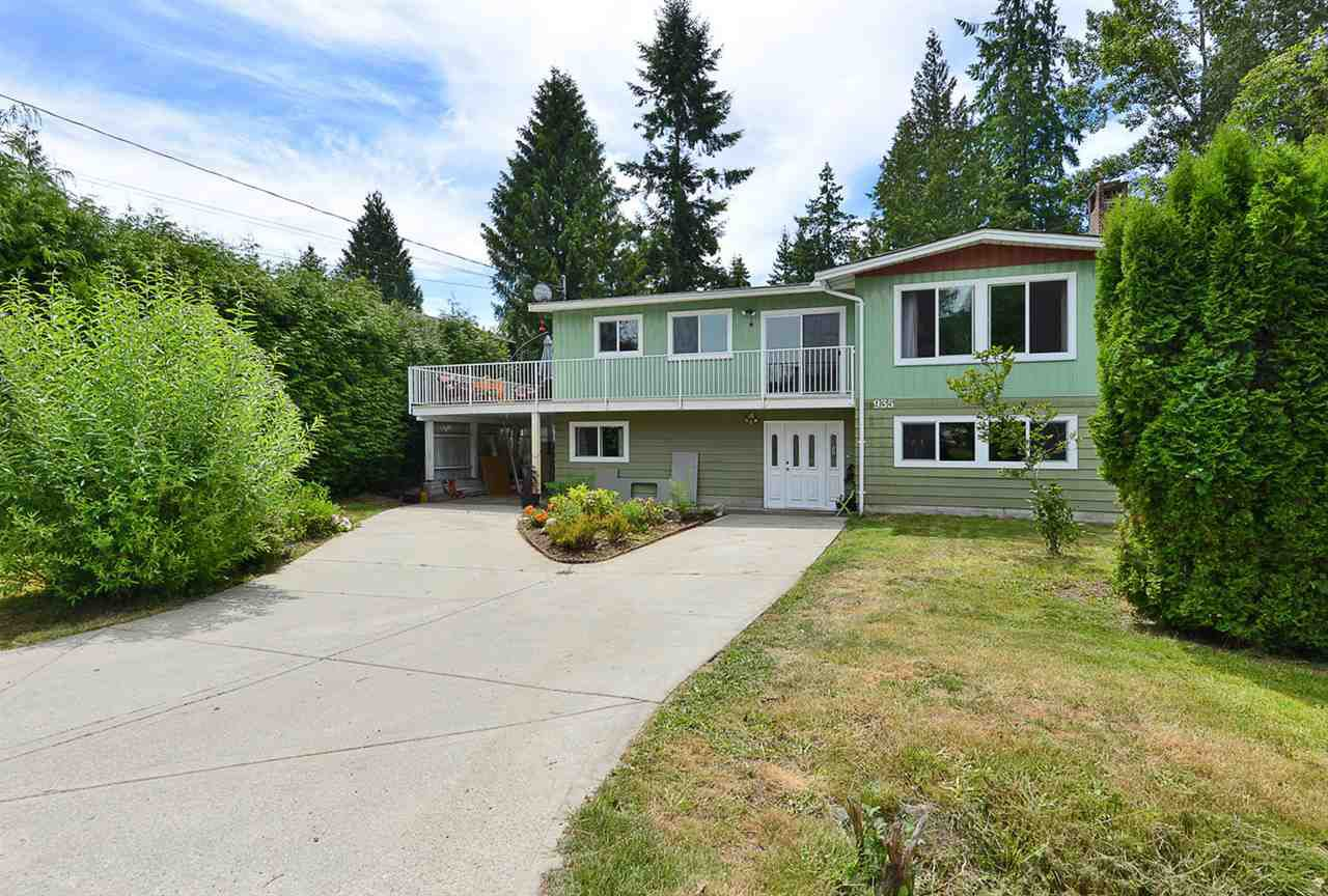 Main Photo: 935 DAVIS Road in Gibsons: Gibsons & Area House for sale (Sunshine Coast)  : MLS®# R2380120