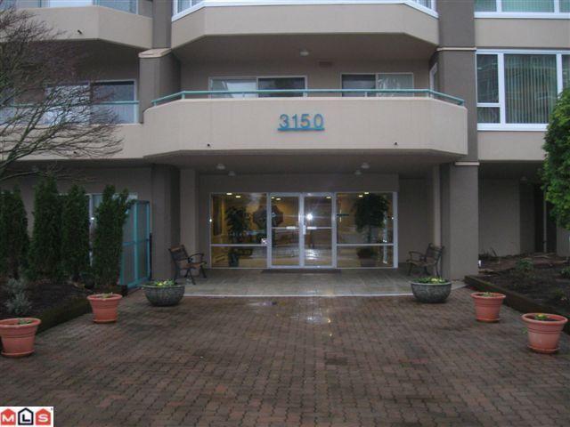 Main Photo: 1506 3150 GLADWIN Road in Abbotsford: Central Abbotsford Condo for sale : MLS®# F1104115