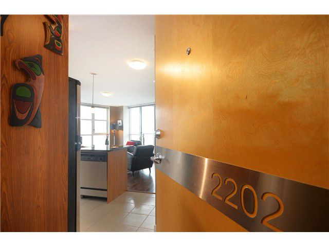 """Main Photo: # 2202 1199 SEYMOUR ST in Vancouver: Downtown VW Condo for sale in """"BRAVA"""" (Vancouver West)  : MLS®# V1033200"""