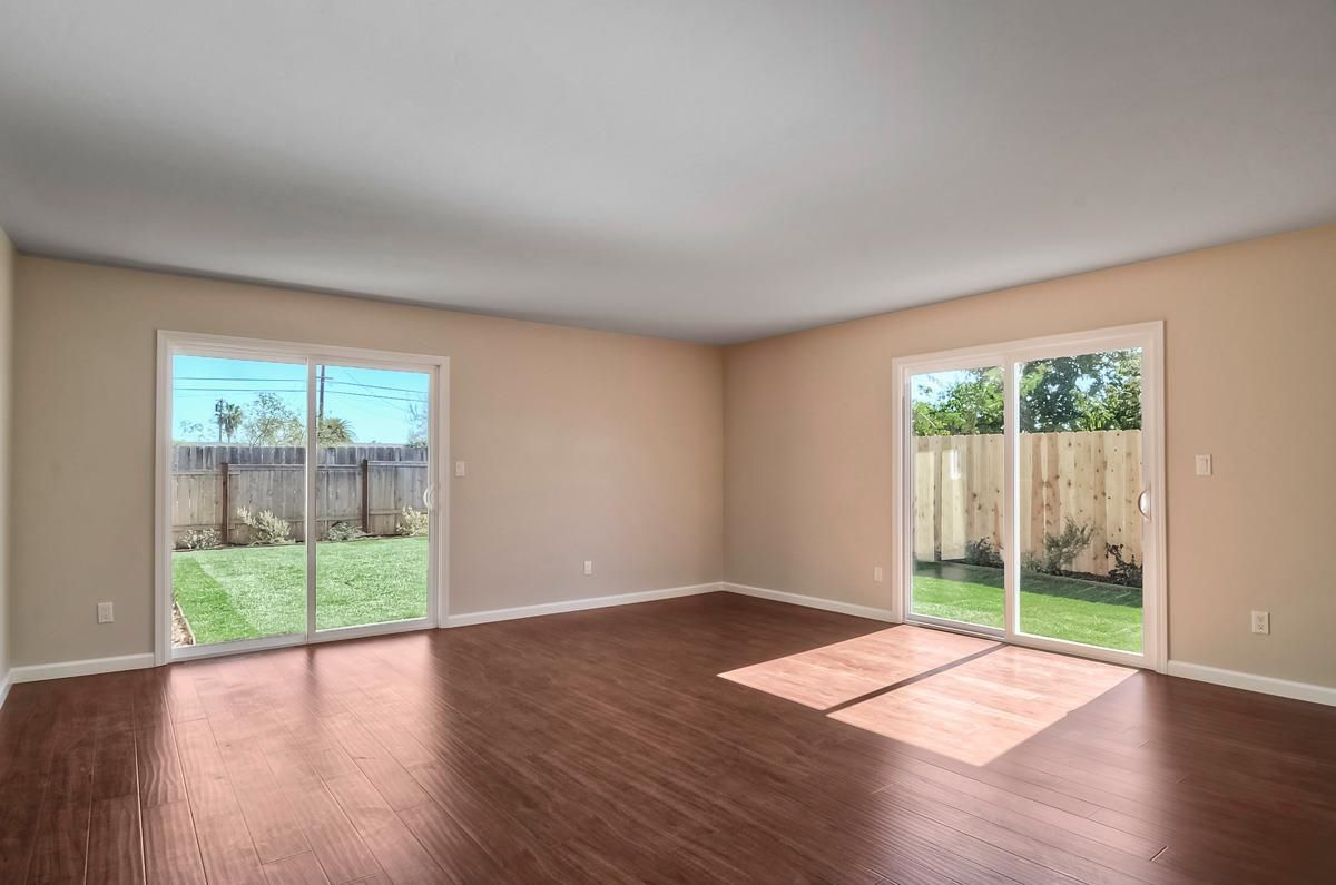 Photo 11: Photos: CLAIREMONT House for sale : 3 bedrooms : 4489 Bertha in San Diego