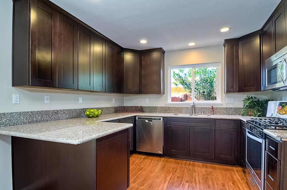 Photo 8: Photos: CLAIREMONT House for sale : 3 bedrooms : 4489 Bertha in San Diego