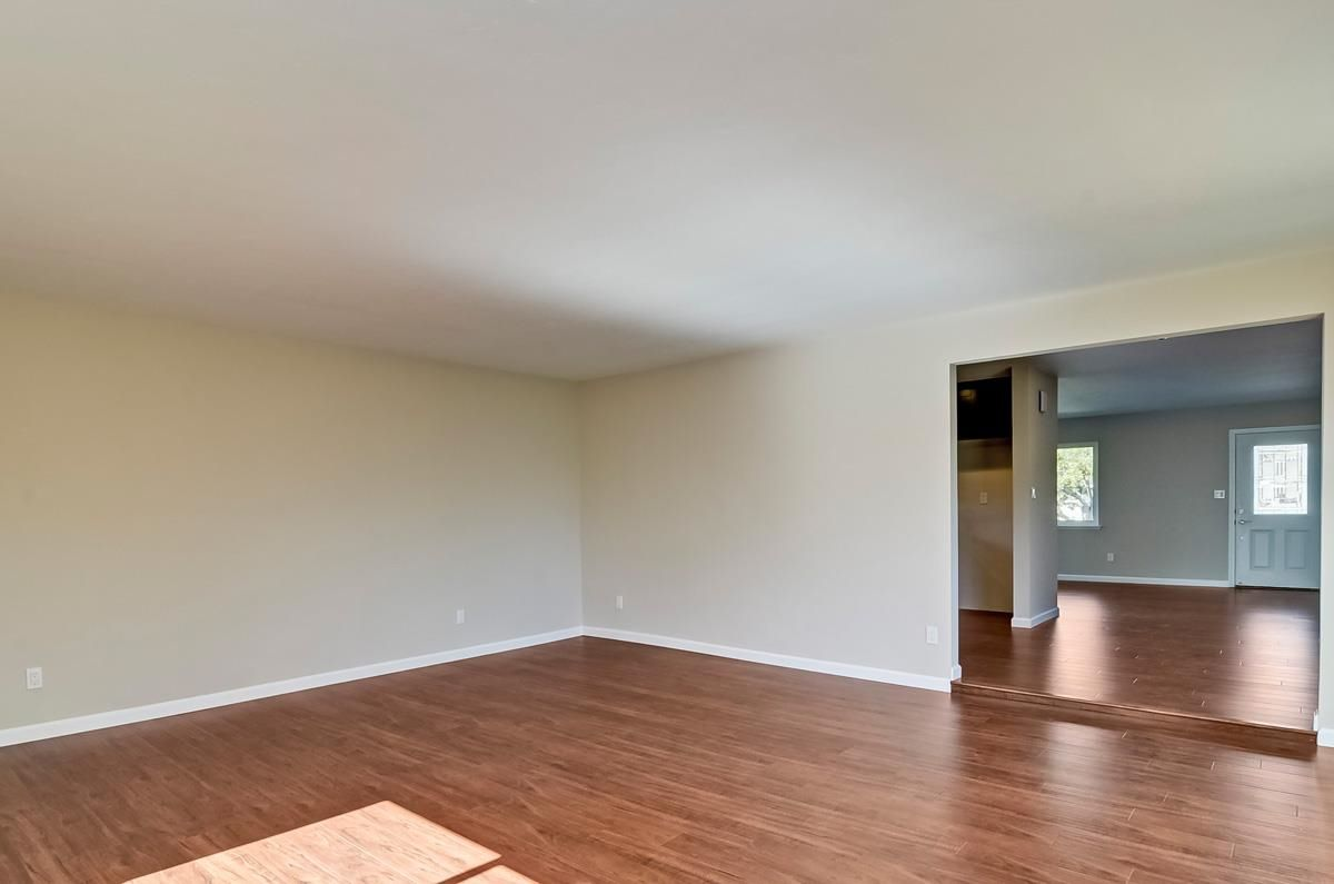 Photo 10: Photos: CLAIREMONT House for sale : 3 bedrooms : 4489 Bertha in San Diego
