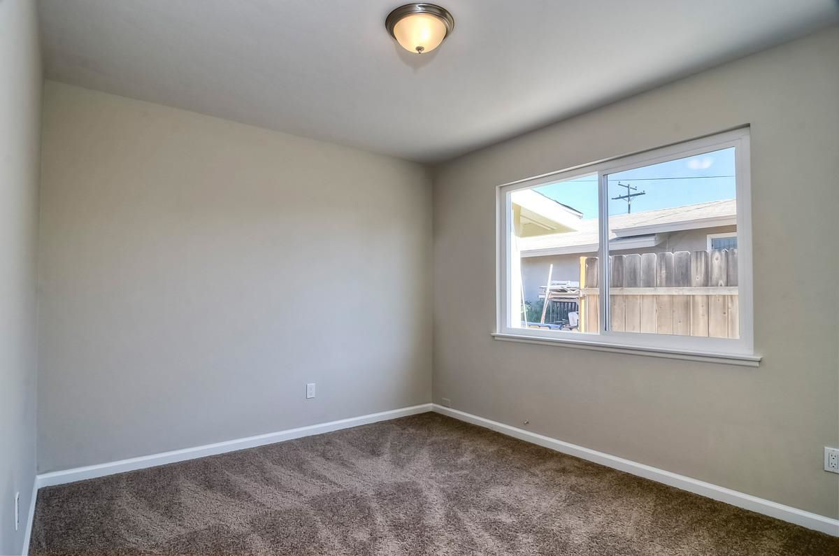 Photo 16: Photos: CLAIREMONT House for sale : 3 bedrooms : 4489 Bertha in San Diego