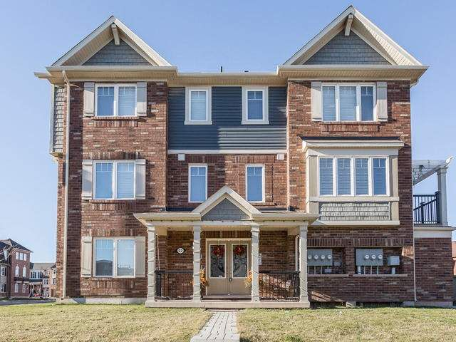 Main Photo: 22 Ganton Heights in Brampton: Northwest Brampton House (3-Storey) for sale : MLS®# W3384581