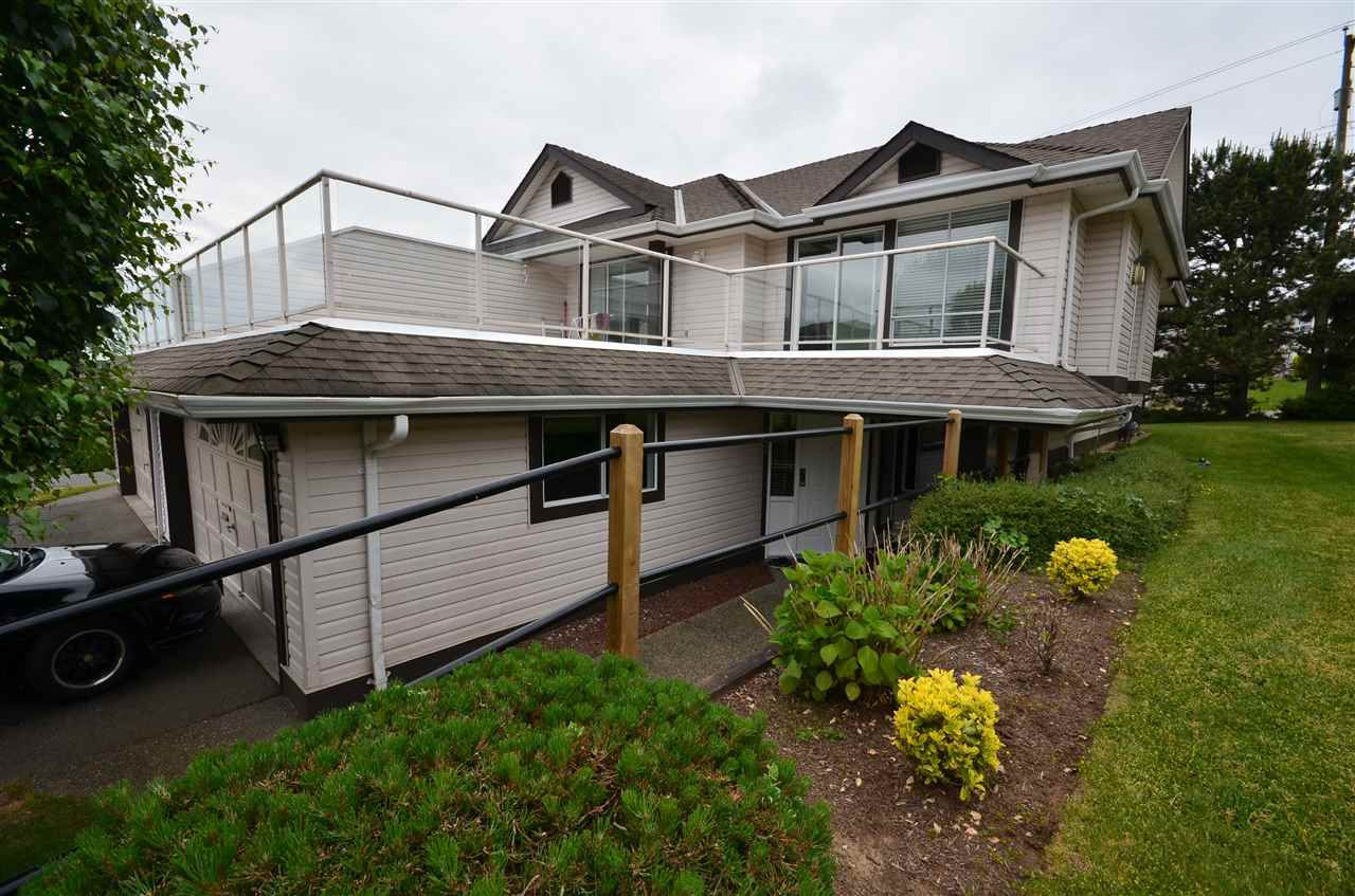 Main Photo: 102 3080 TOWNLINE Road in Abbotsford: Abbotsford West Townhouse for sale : MLS®# R2073376