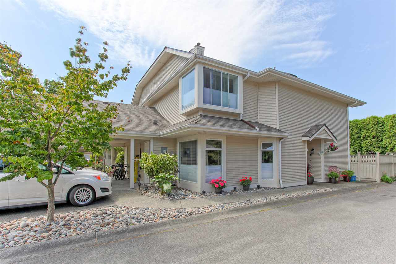 """Main Photo: 12 4695 53 Street in Delta: Delta Manor Townhouse for sale in """"MAPLE GROVE"""" (Ladner)  : MLS®# R2091313"""