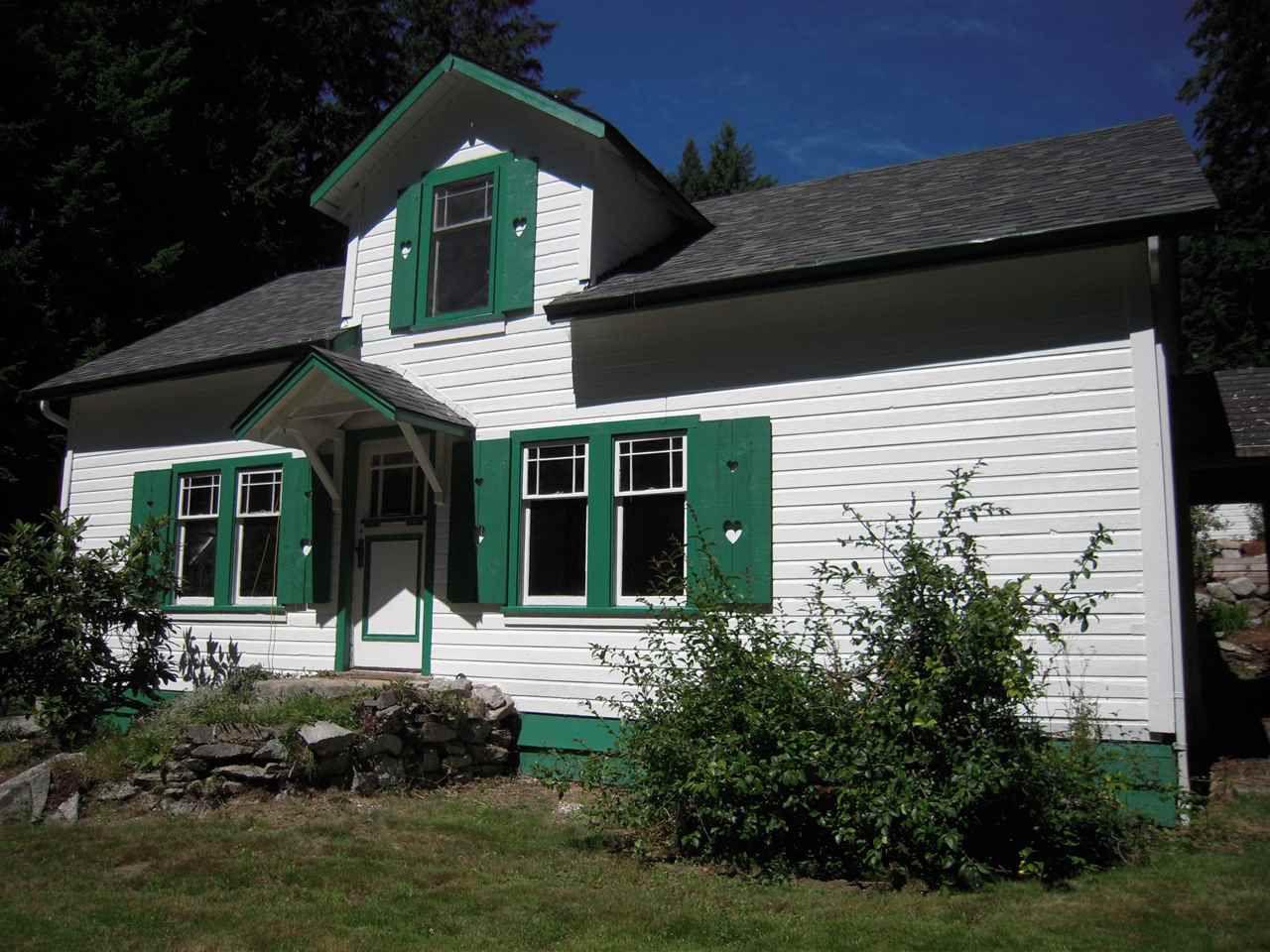 Photo 6: Photos: 2670 LOWER Road: Roberts Creek House for sale (Sunshine Coast)  : MLS®# R2096275