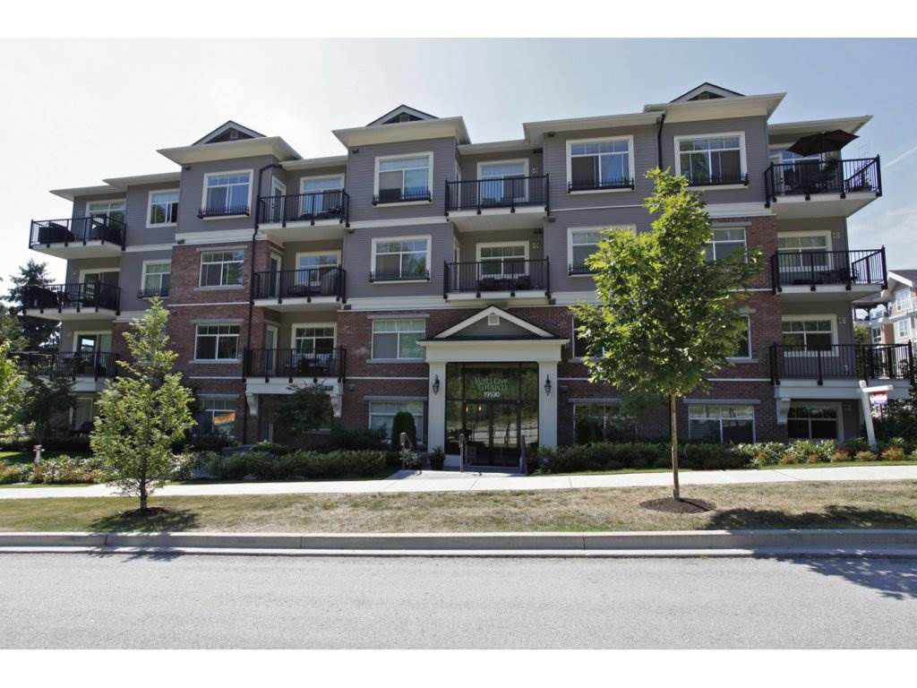 "Main Photo: 302 19530 65 Avenue in Surrey: Clayton Condo for sale in ""WILLOW GRAND"" (Cloverdale)  : MLS®# R2239638"